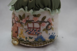 Pincushion detail