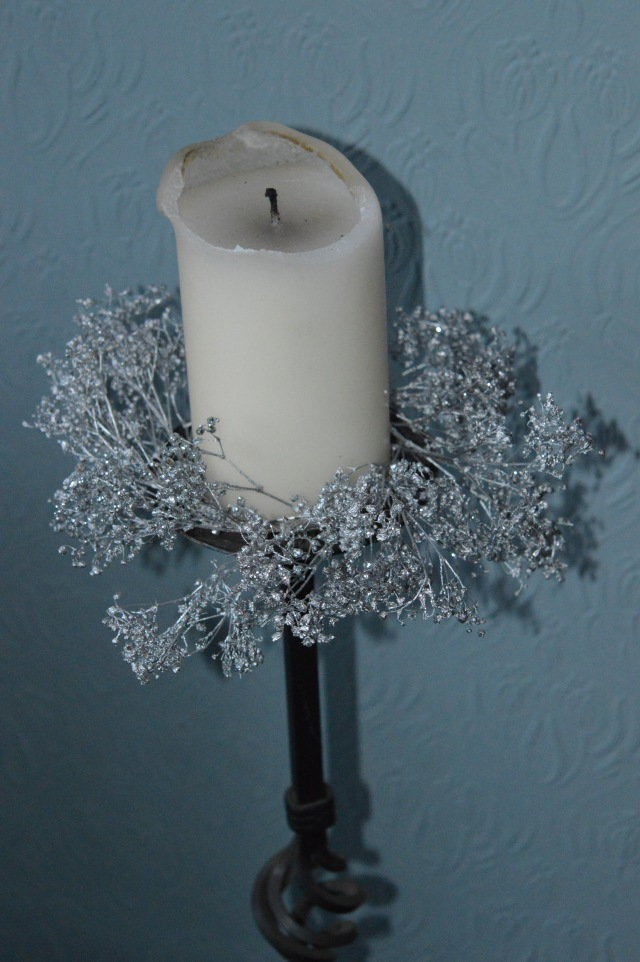 Gypsophilia Christmas Candle