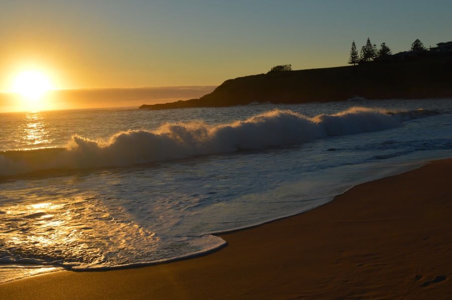 Kiama Beach at dawn