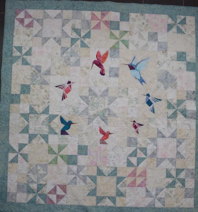 Hummingbird quilt; www.thecraftycreek